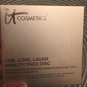 Live, Love, Laugh Vitality Face Disc